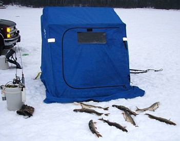 Ice Fishing Eagle River Wisconsin fishing guide walleye Eagle River in Vilas, Onieda and Forest County Wisconsin with Al Gall Wisconsin Fishing and Deer Hunting Guide Service